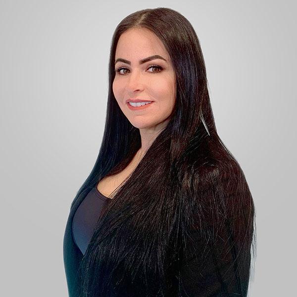 <strong>Claudia Martins</strong>